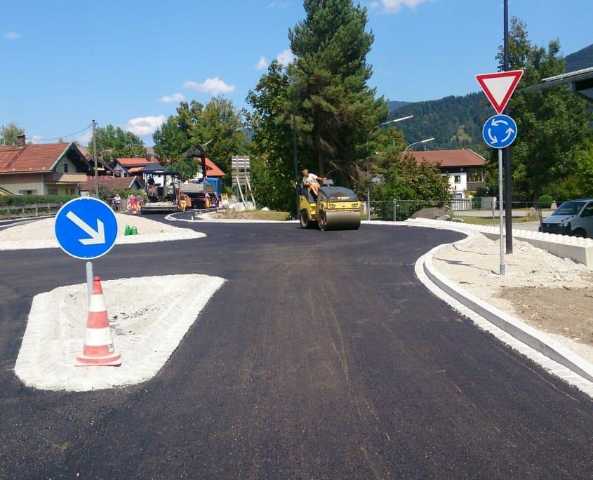 Strassenbau_bad_toelz_walze_strassen_bauen